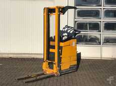 High Lift Pallet Trucks Sit-Down Jungheinrich EKC 12.5