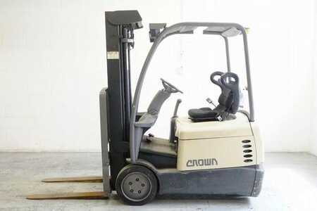 Forklifts_used_Crown SC4020-35