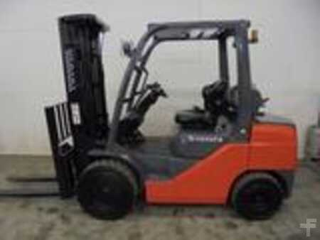 Forklifts_used_Toyota 8FGU30