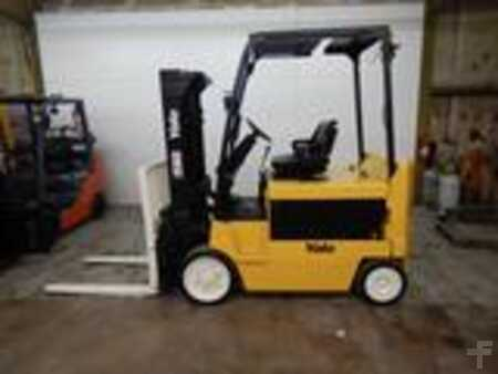 Forklifts_used_Yale ERC080
